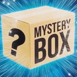 RESELLER MYSTERY BOX bundle women's clothing